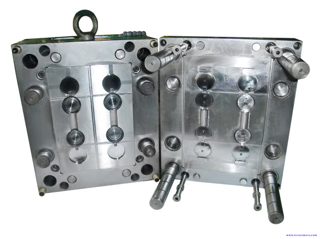 Manufacturing plastic injection molds